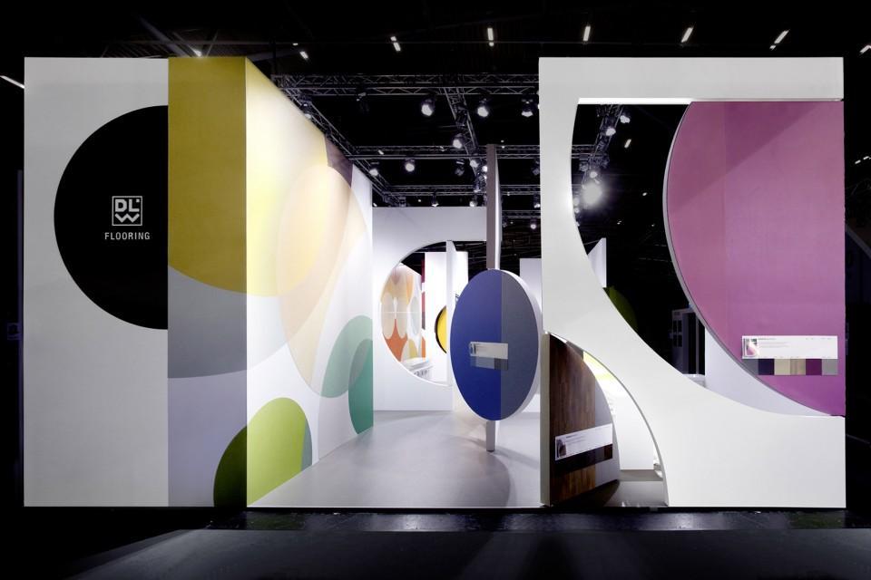企业产品展厅设计效果图1