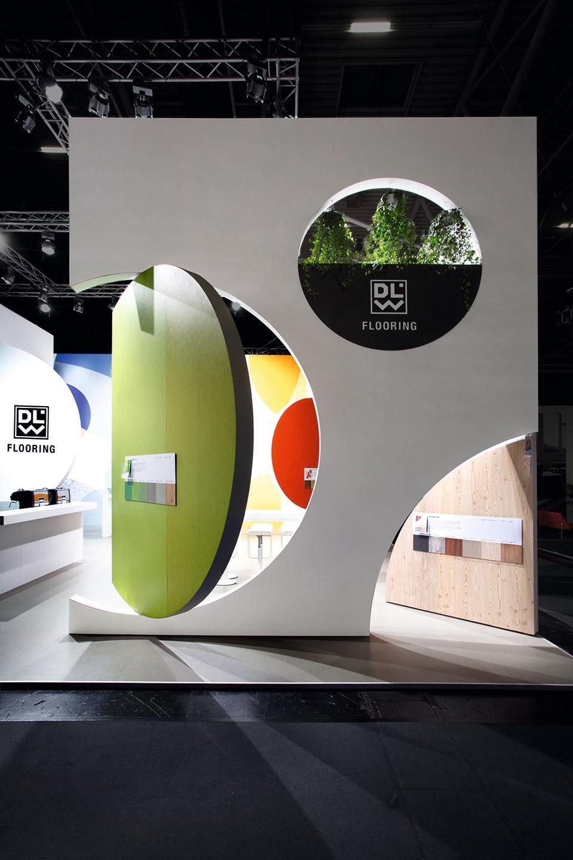 企业产品展厅设计效果图5