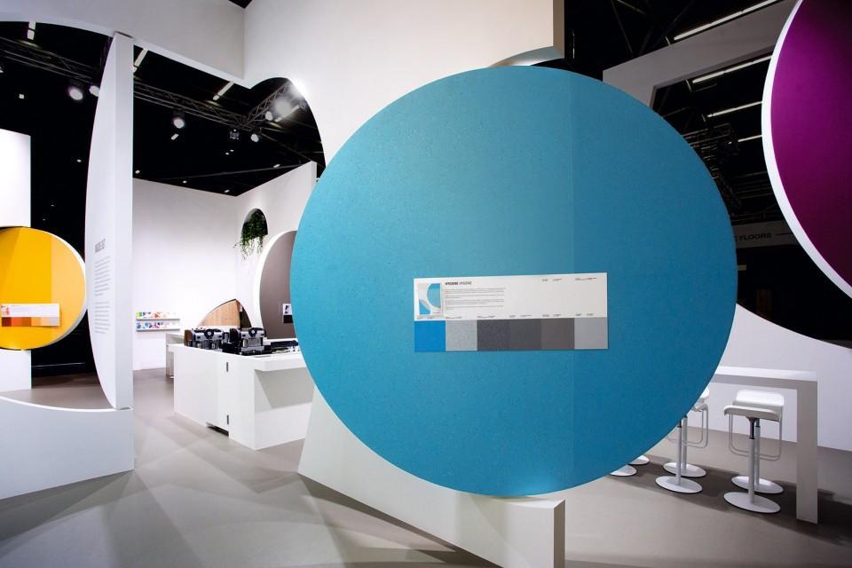 企业产品展厅设计效果图6