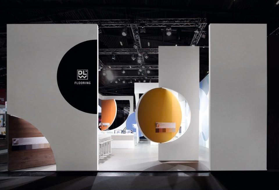企业产品展厅设计效果图2