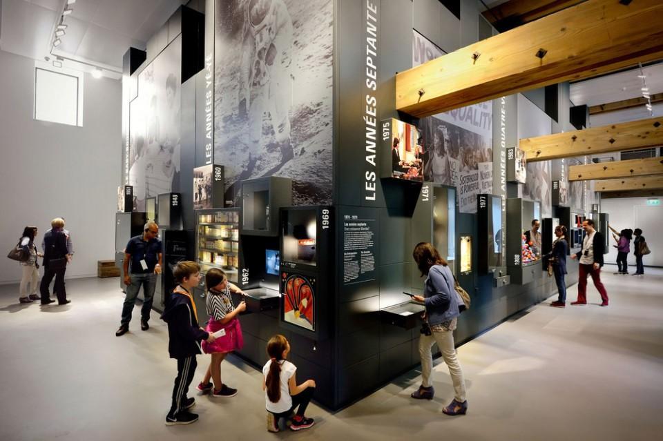 深圳品牌展厅设计互动体验区5