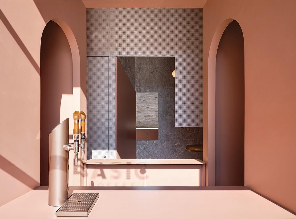 房地产公司展厅设计效果图2