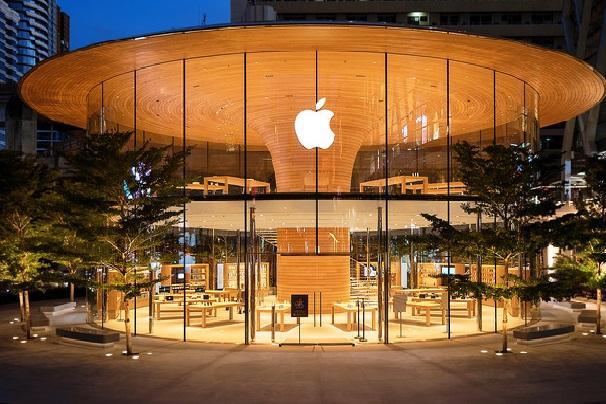 诺曼·福斯特建筑事务所设计的曼谷苹果旗舰店