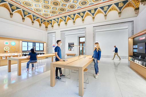 Apple·罗马科尔索大道旗舰店:Foster + Partners