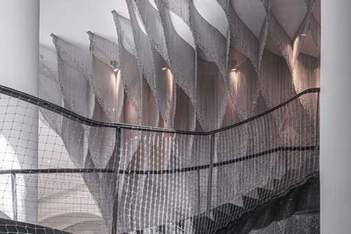 巴特尤公寓楼梯与中庭部分新室内设计:隈研吾建筑都市设计事务所